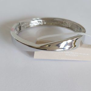 14th & Union silver tone bangle spring clamp NWOT